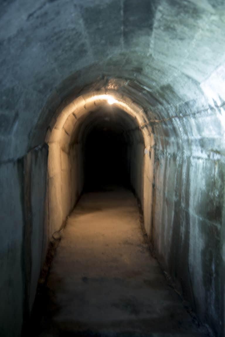 Fotoreis Albanië - Tunnel tweede wereld oorlog