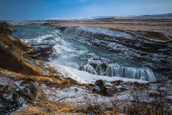 De Gulfosswaterval op IJsland toont een schitterende aanblik.