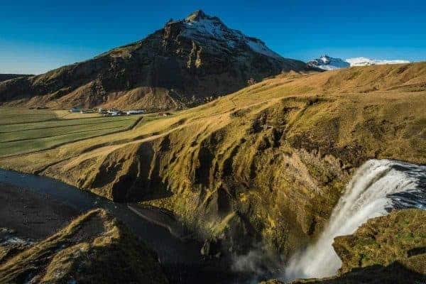 De Skagfoss op Ijsland van bovenaf gefotografeerd