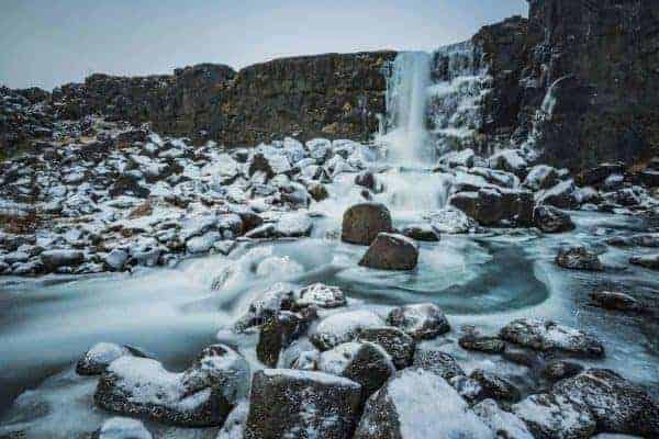 De Oxararfosswaterval in het Nationale Park Thingvellir op Ijsland.