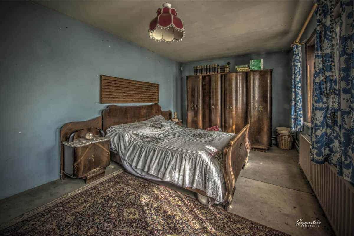 Fotografietips Urbex Kamer met Bed en kledingkast