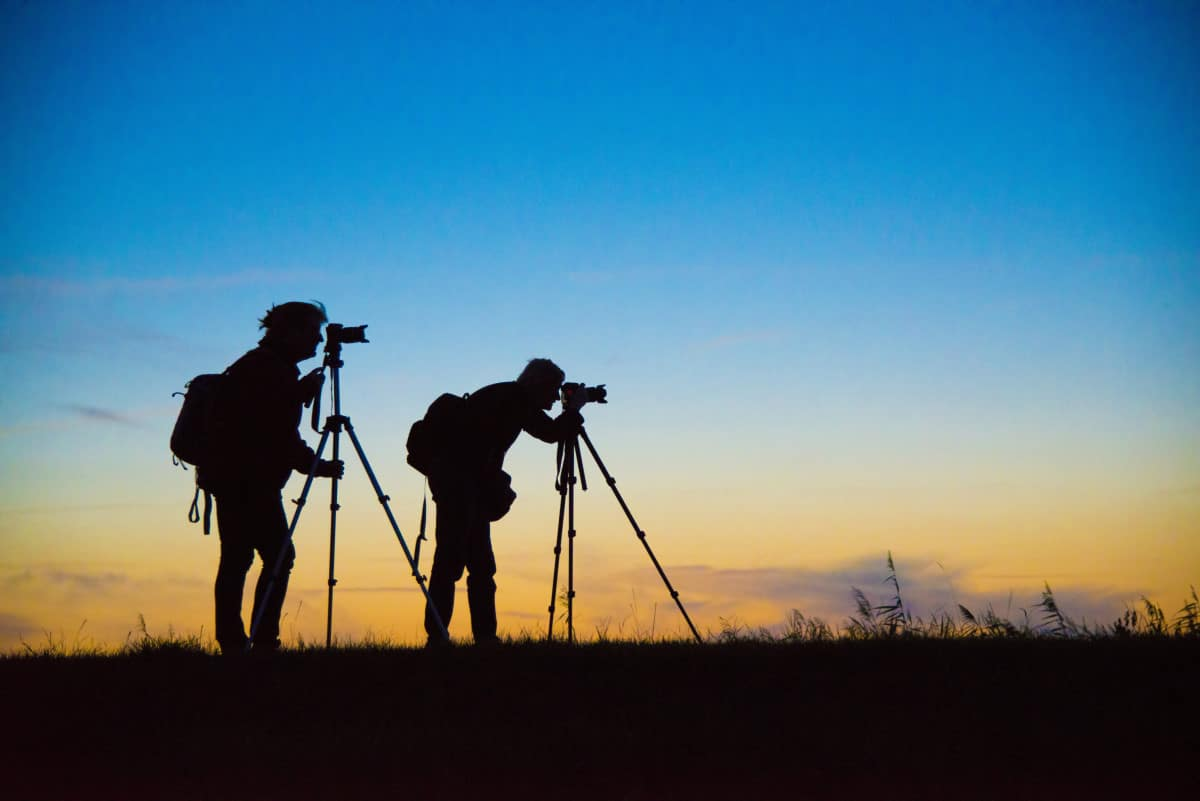 Fotograferende deelnemers tijdens de Fotografiereis Groninger Waddenkust