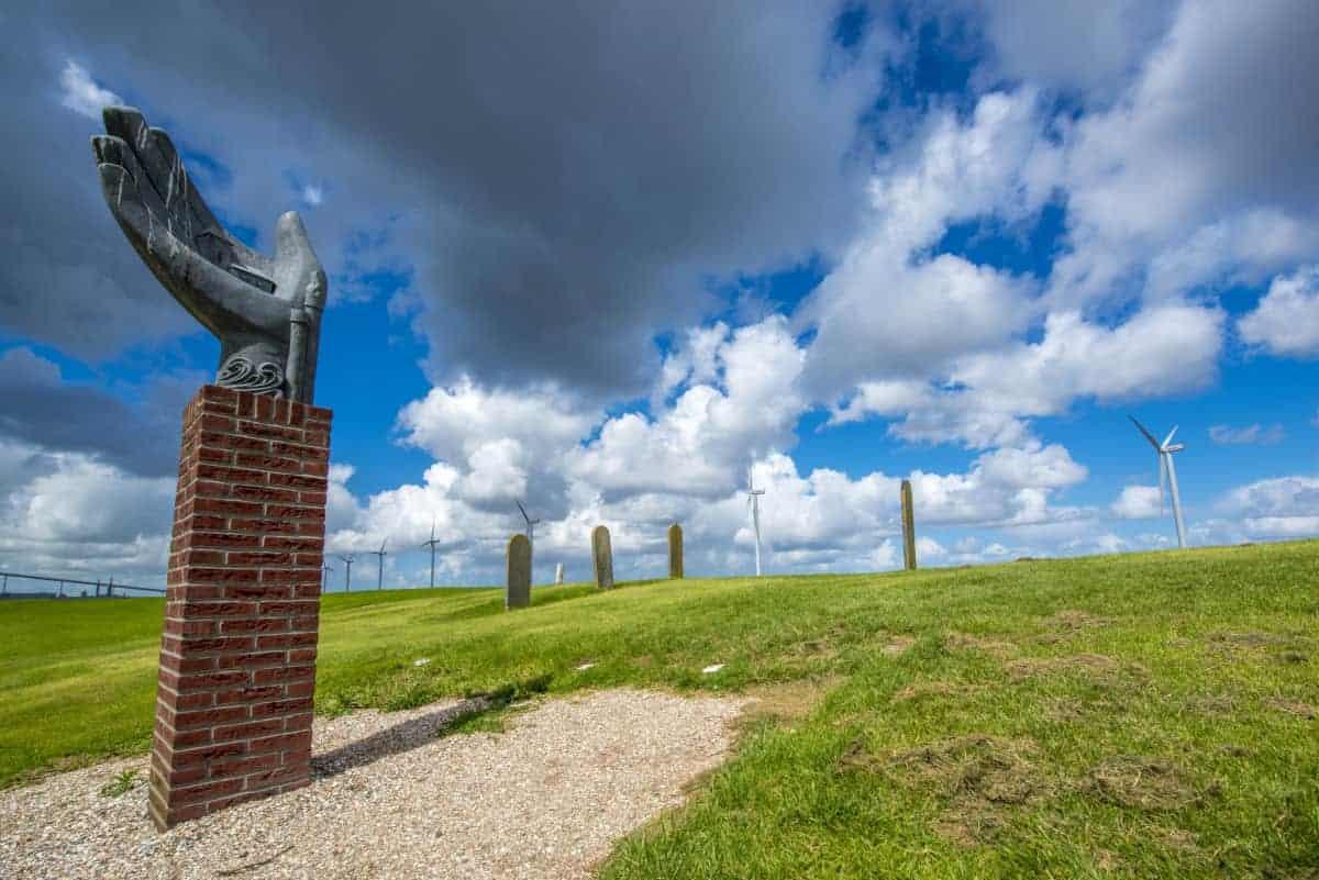 Monument bij Oterdum tijdens fotoreis Waddenkust