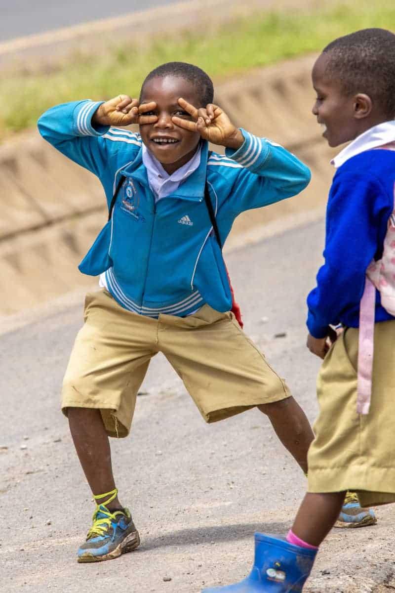 Fotoreizen Afrika Jongens in schooluniform Tanzania
