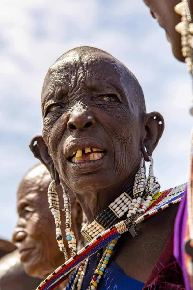 Oude Masai vrouw Fotoreis Afrika Tanzania