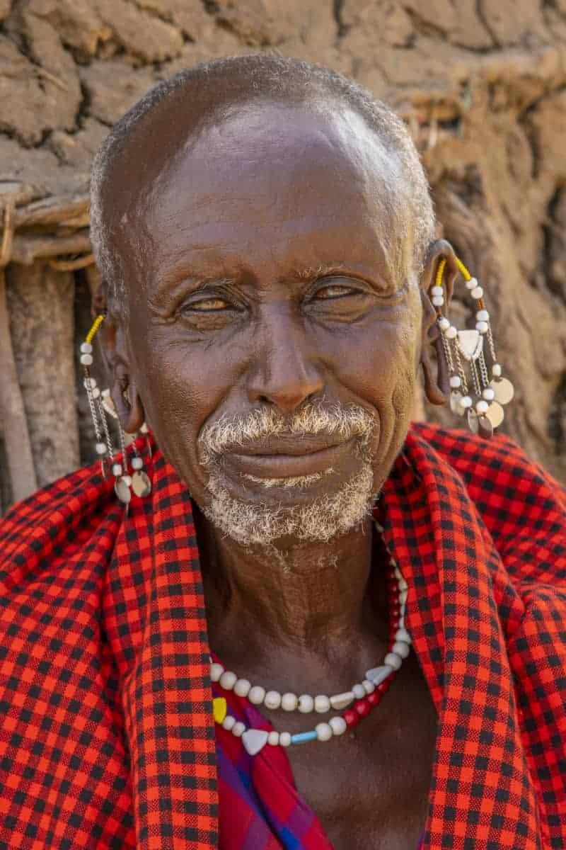 Oude Masai krijger Mto wa Mbu fotoreis Afrika