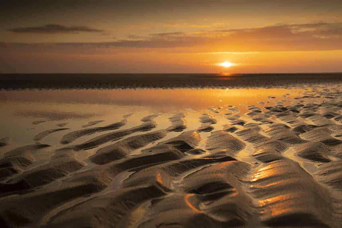 Fotoreis Ameland ribbels in het strand bij zonsopgang