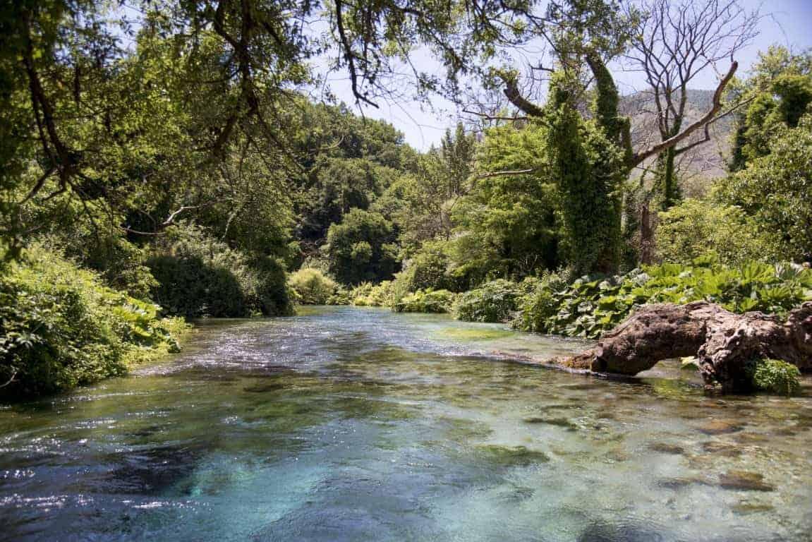 Fotoreis Albanië - Rivier in de Blue Eye