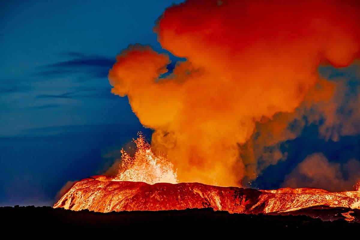 Fotoreis IJsland vulkaan Fagradalsfjall spuwt lava