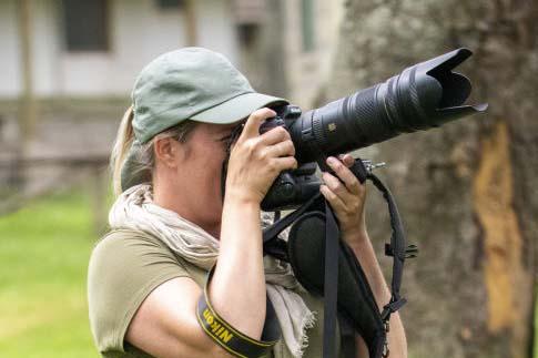 Fotoreis Kenia Tanzania Jessica fotografeert apen | Fotografie-reizen - Fotoreizen