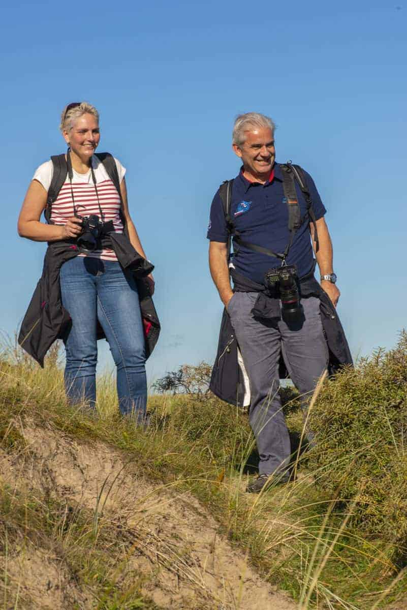 Fotoweekend Ameland - Deelnemers staan in de duinen