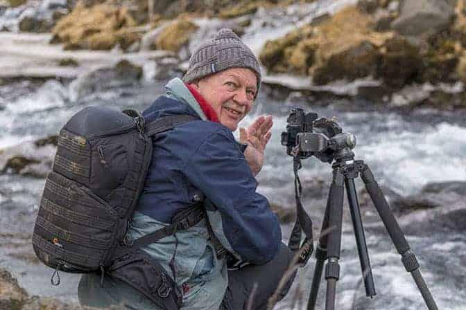 Fotoreizen IJsland - Henk bij waterval