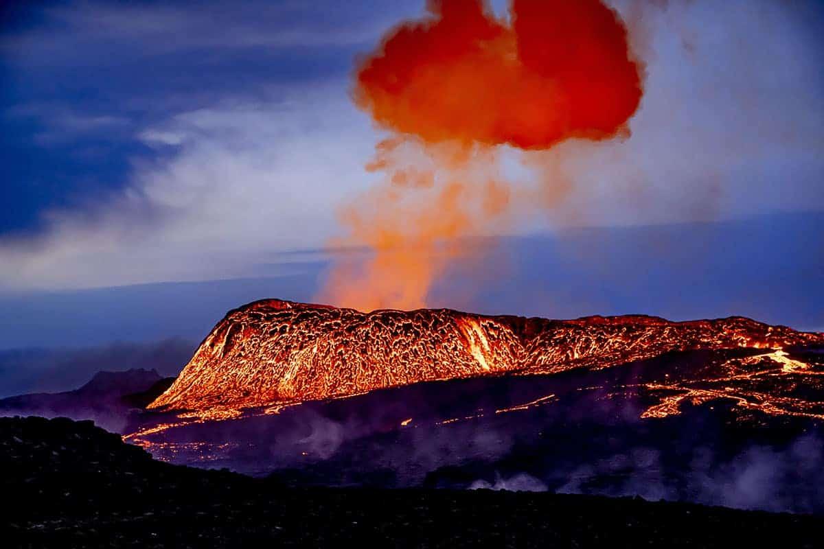 Fotoreizen IJsland vulkaan Fagradalsfjall spuwt lava