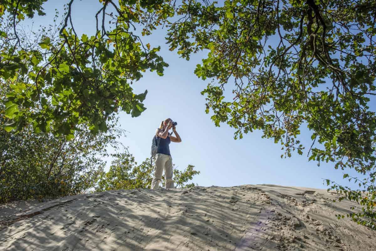 Evelien aan het fotograferen in het Fotoweekend Brabant