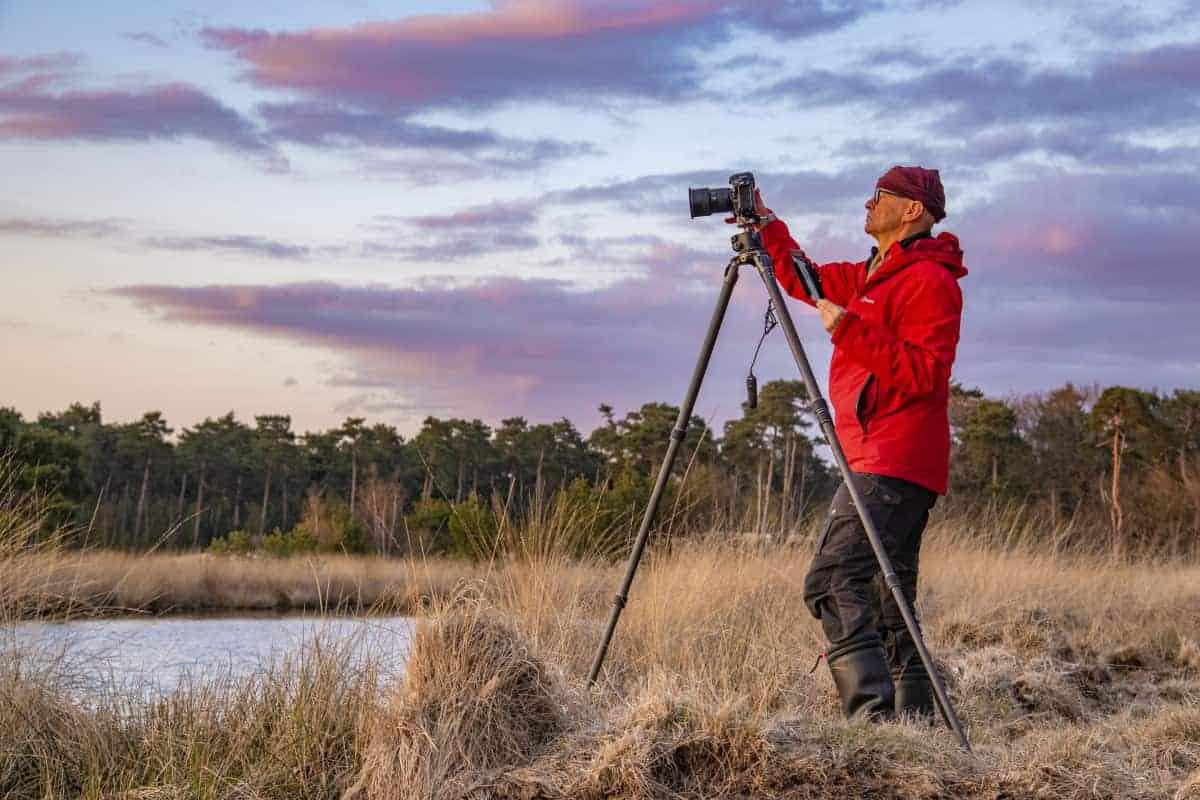 Ton fotografeert zonsondergang bij Kogelsvangersven Fotoweekend Brabant