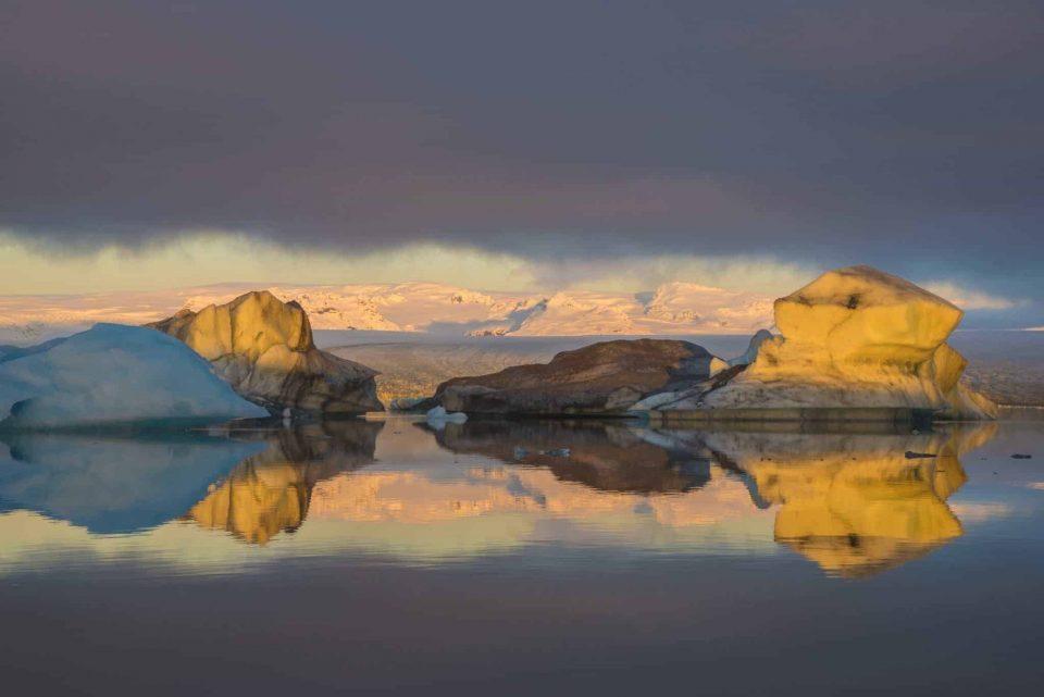 Fotoreis IJsland ochtendzon op ijsschotsenmeer Jökulsárlón