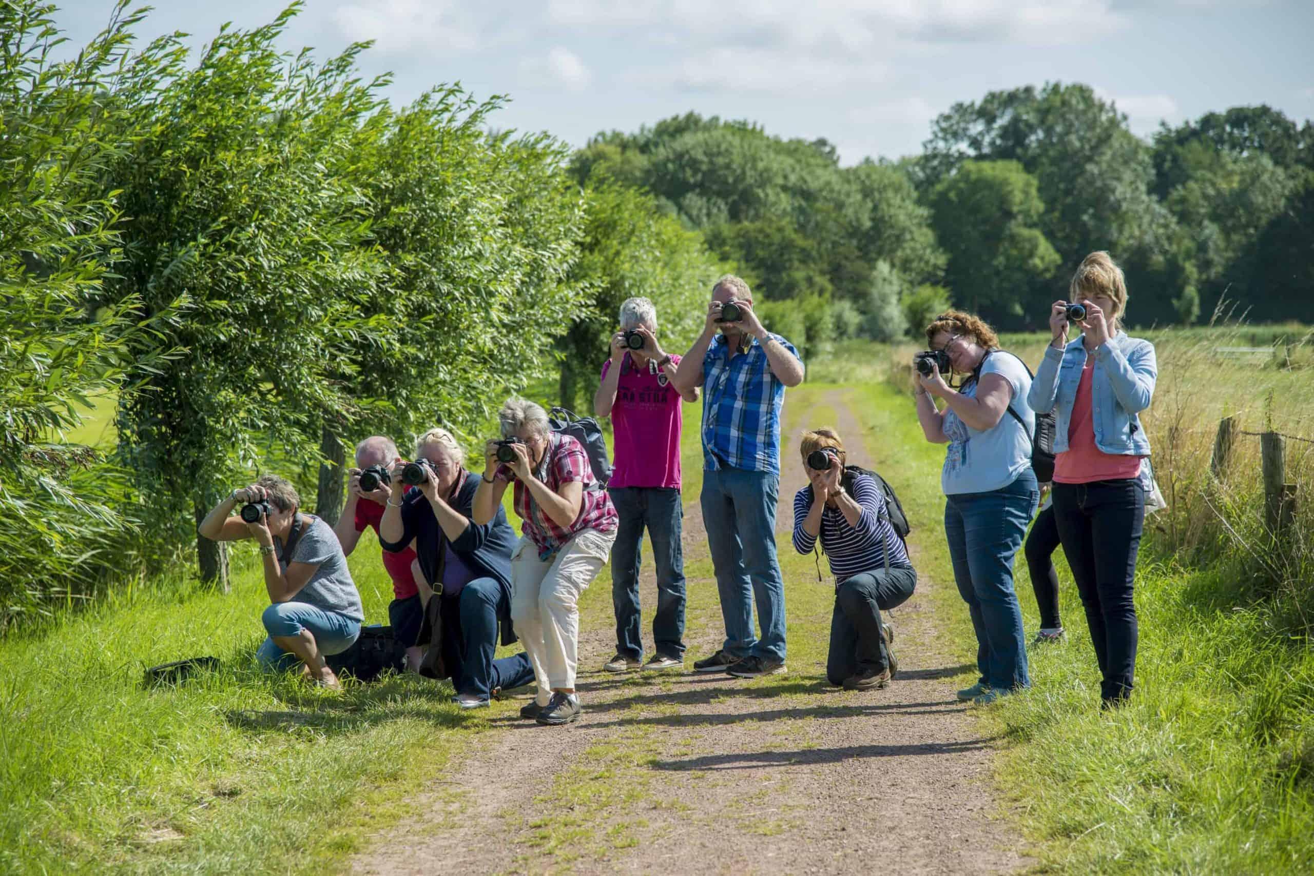 Hobbyfotografen tijdens Basiscursus Fotografie in actie - basiscursus fotografie